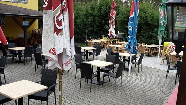 Zahradní restaurace dokončena